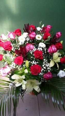 Meseszép virágkosár
