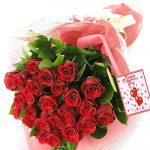 25 szál extra rózsa díszítéssel