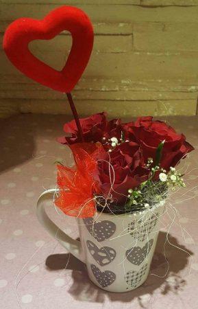 Szeretlek bögre rózsákkal