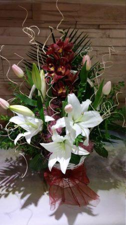 Virágkosár Orchidea fürttel