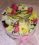 Tulipános virágbox  (Csak Bp.-re és Pest megyébe rendelhető kiszállítással!)