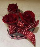 Rózsák szív alakú díszdobozban