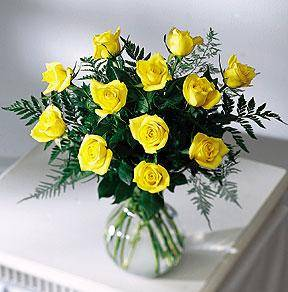 rózsák vázával