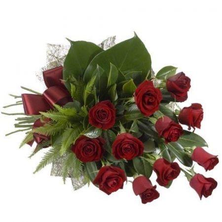 Tucat rózsa díszítéssel